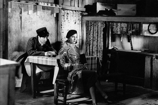 QUAI-DES-BRUMES-1938-05